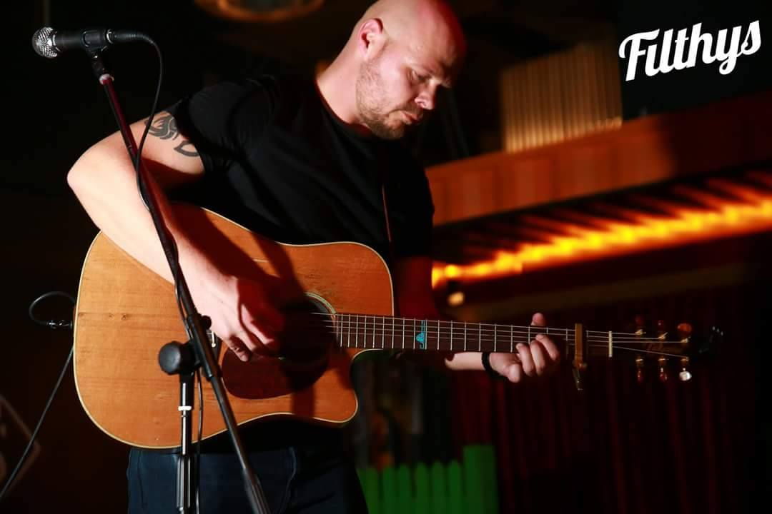 dave lynas, acoustic singer newcastle